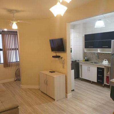 Apartamento para locação diária com 1 dormitório bem no centro de Balneário Camboriú