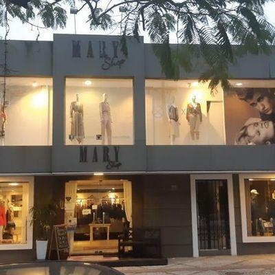 Ampla Sala Comercial para venda com 2 andares no centro de Balneário Camboriú