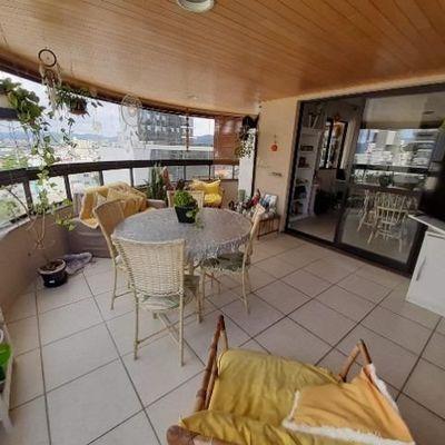 Apartamento 3 Dormitórios no Edifício Serth I Centro Balneário Camboriú