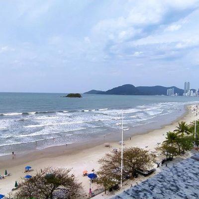 Apartamento Locação Diária Frente Mar na Praia Central de Balneário Camboriú