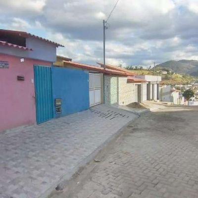 Aluguel - Casa com 03 Quartos - Residencial Ipê - Mantena-MG
